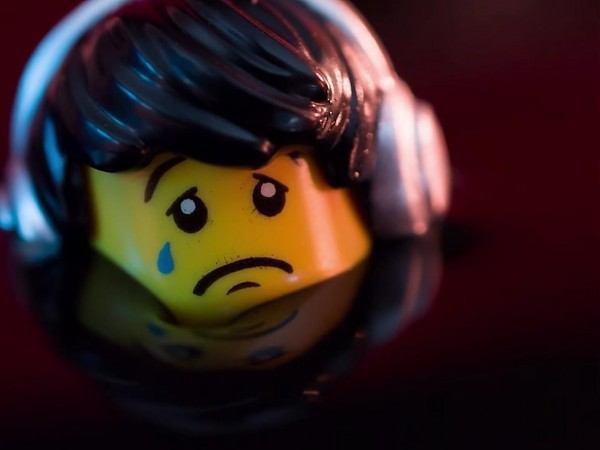 LEGO: Everything is NOT awesome - Greenpeace Campaign
